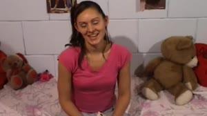 Pornofilm - 19 jarige Carmen laat zich bij Don en Ad in al haar gaatjes neuken