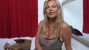 Porno film - Don en Ad testen een rijpe blonde hoer