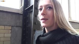 Pornofilm - Don en Ad laten een blonde Franse tiener(18+) afneuken