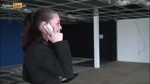 Porno film - Zakenvrouw laat zich in haar nieuwe pand neuken door twee bouwvakkers