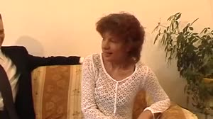 Pornofilm - Schoonmoeder Simone uit Venray krijgt een beurt van Don en Ad