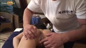 Porno film - Aziatische tiener(18+) krijgt een kut massage en een pik in haar reet